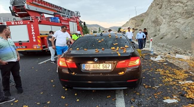 Malatya'da otomobil ile tarım aracı çarpıştı: 2 yaralı