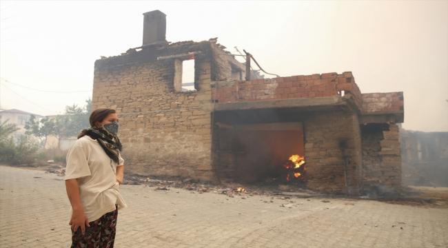 Manavgat ve Akseki'deki orman yangınlarına havadan müdahale başladı