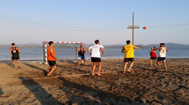 Plaj Hentbolu Kadın ve Erkek Milli Takımları'nın Köyceğiz kampı sona erdi