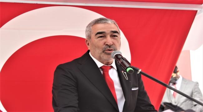 Teknik Direktör Samet Aybaba, isminin verildiği spor lisesinin açılışına katıldı